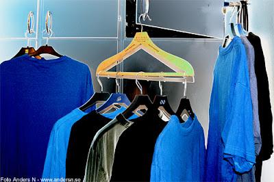 rhapsody in blue, foto anders n, t-shirt, t-shirts, blue, black, blå, svart, klädgalge