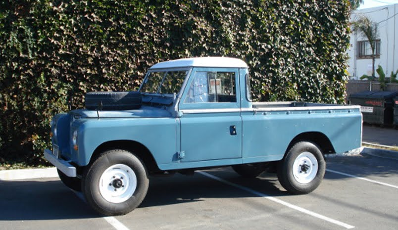 old land rover picture