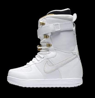 Nike Snowboarding Boots 2