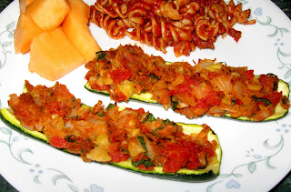 ... Does Dinner... Healthy & Low Calorie: Italian Stuffed Zucchini Boats