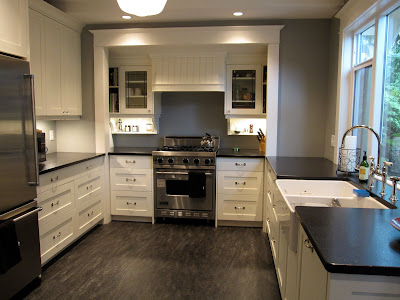 Home interior a 39 something 39 s gotta give 39 kitchen cabinet for Give the floor