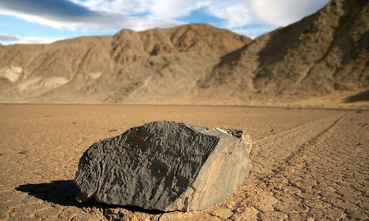 Hareket eden taşlar