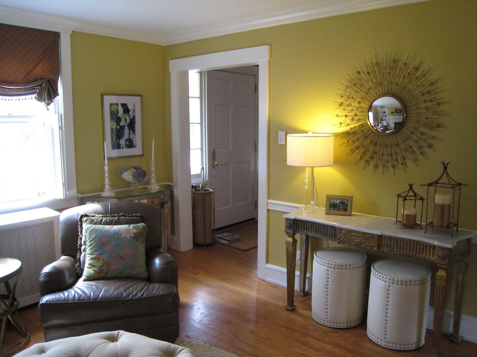 Living room design chocolate brown living room interior for Chocolate brown living room ideas