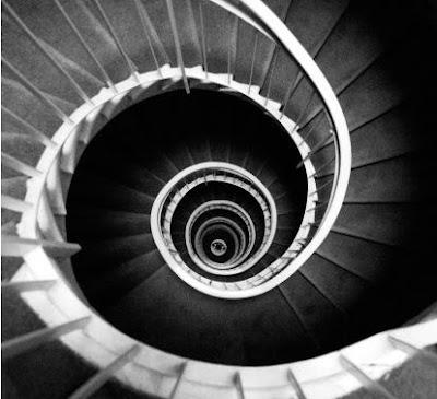 Casa de Raposa de Metal de Kumo Stairs.8.1