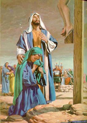 María junto a la cruz.