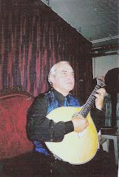 Guitarra toca baixinho!