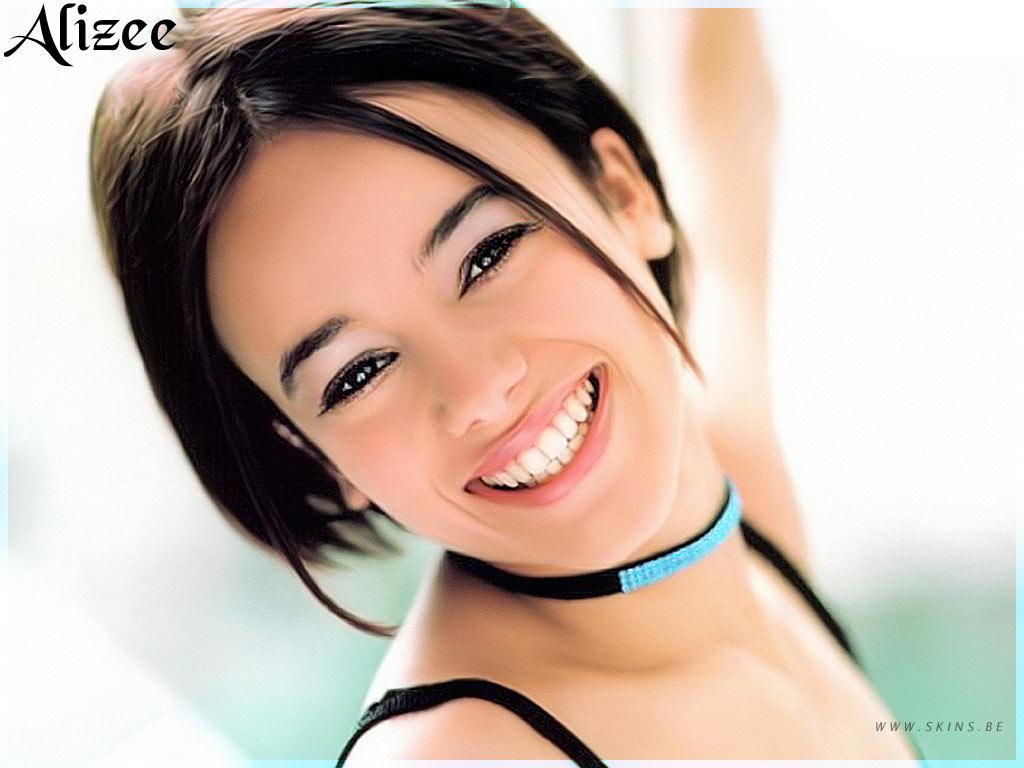 http://3.bp.blogspot.com/_pJy3Kg3mpes/TQIHmY8QWaI/AAAAAAAAAPI/PI_woVFilcM/s1600/alizee-1024x768-187.jpg