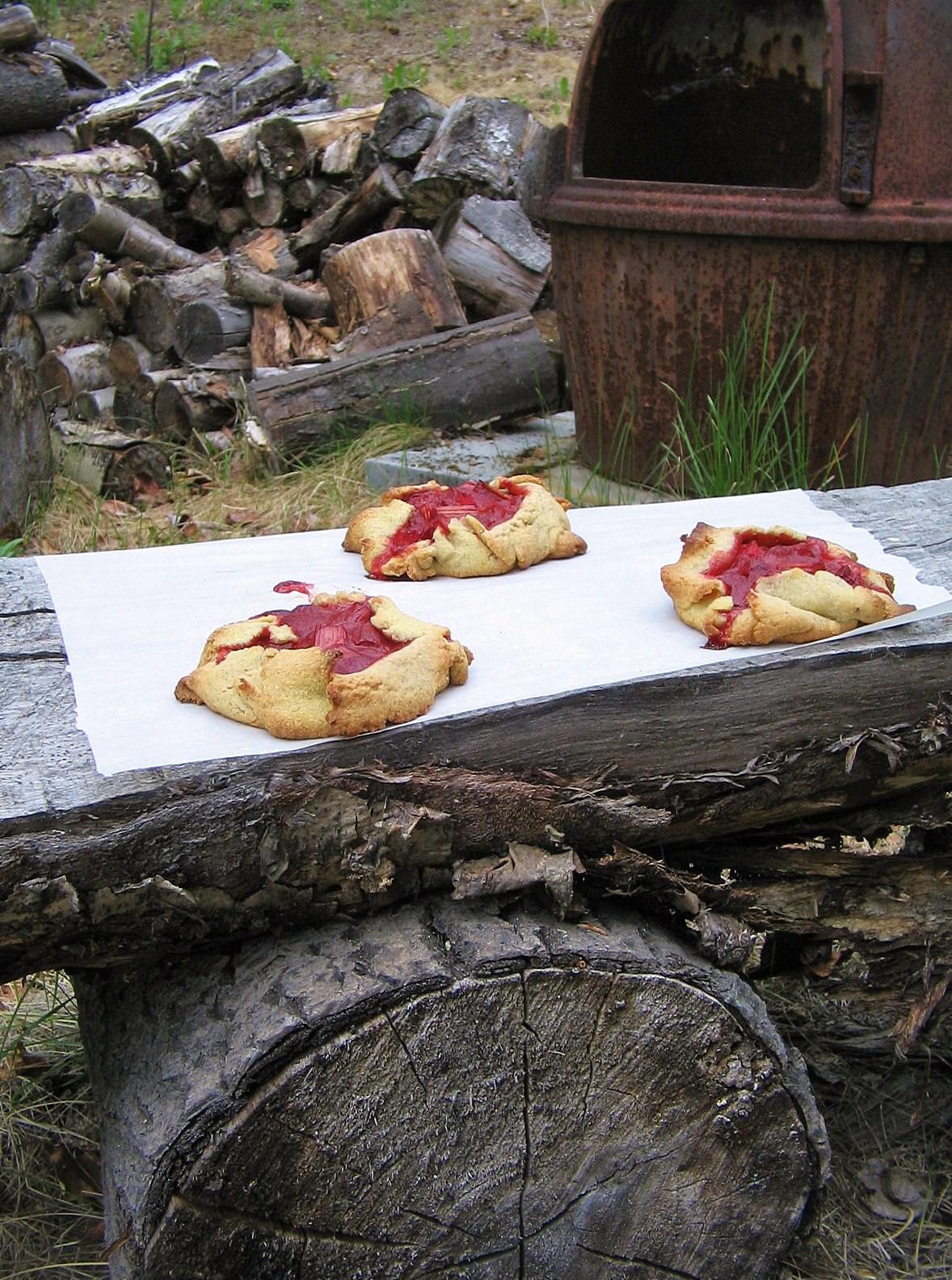rustic-rhubarb-tarts.JPG