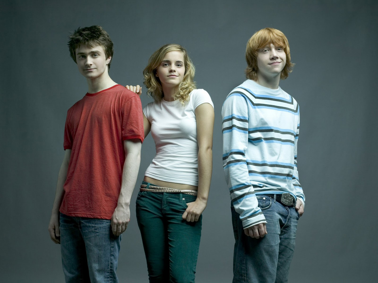 http://3.bp.blogspot.com/_pLmMug9YFkw/TMFKyTCFFQI/AAAAAAAACrQ/qwI-AXIX9WI/s1600/emma_watson_daniel_radcliffe_harry_potter_cast-normal.jpg