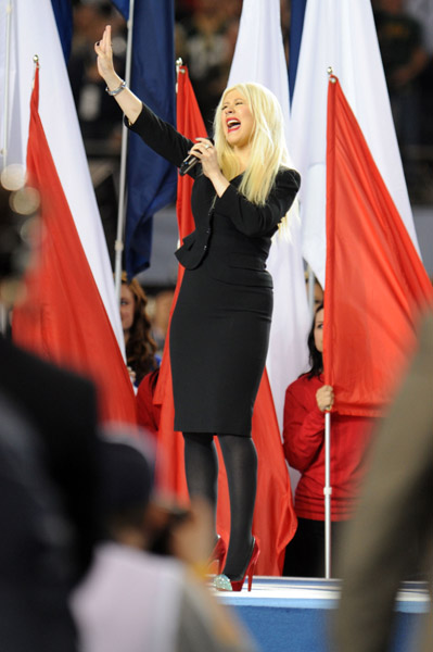Christina Aguilera Ruins National Anthem at Super Bowl