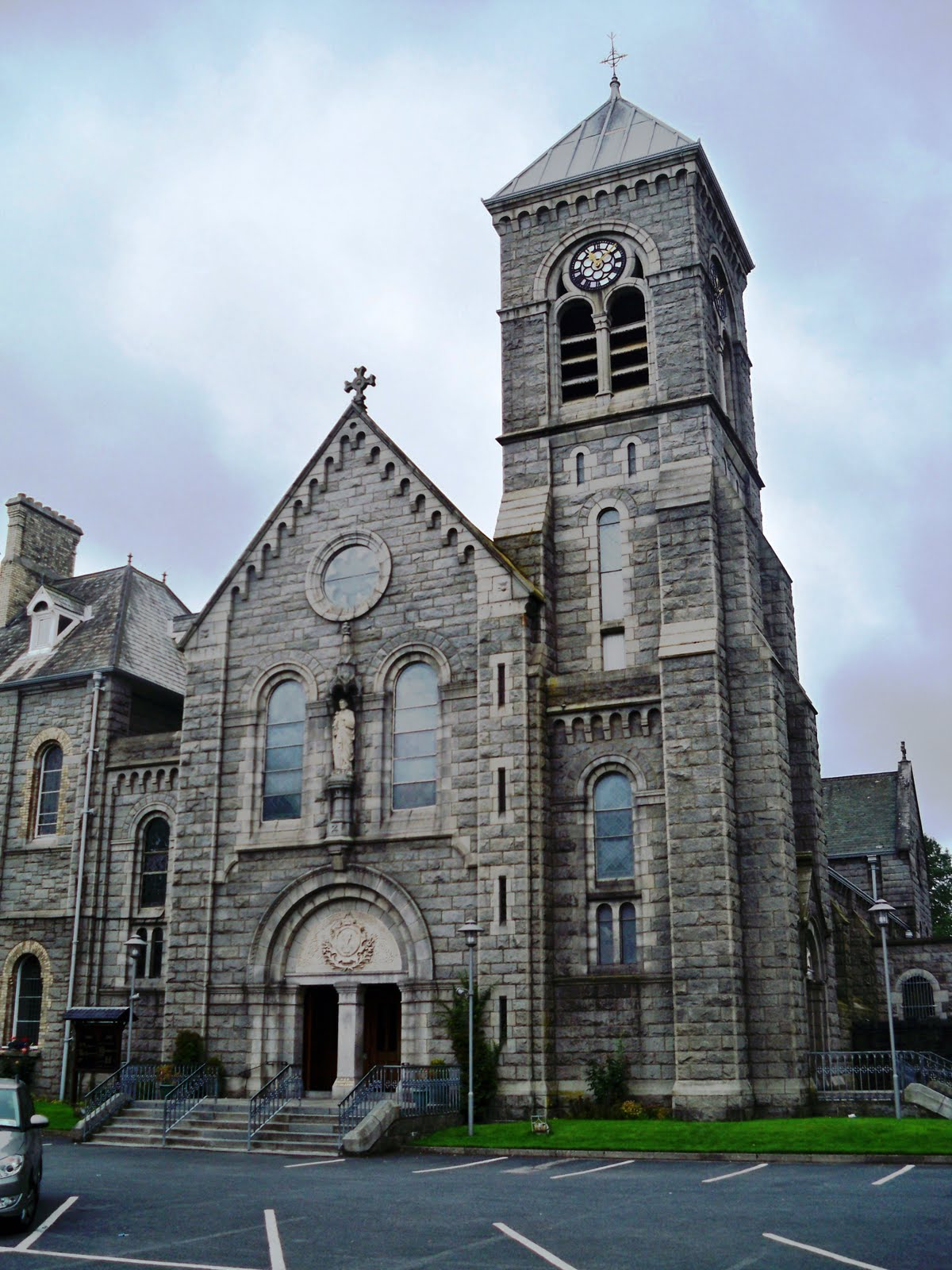 catholic singles in dundalk Drumalis is a retreat centre owned and managed by the sisters of the cross and passion the ministry of the house is one of reconciliation and nurturing.