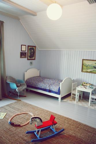Ralfefarfars paradis: barnerom; seng og lekemøbler