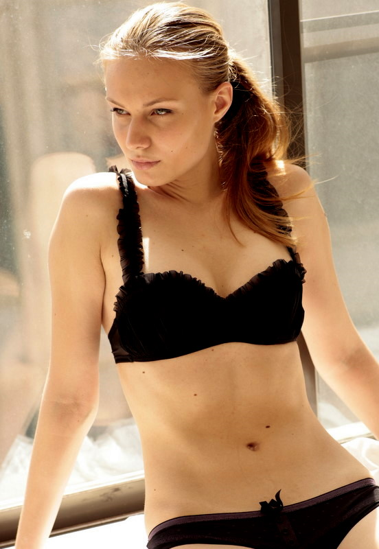 lindsay lohan machete pool scene video. hot lindsay lohan machete