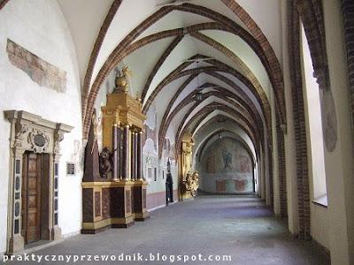 Kościół Franciszkanów w Krakowie Krużganki
