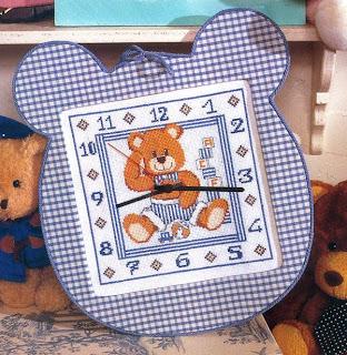 схема вышивки крестом детских настенных часов с мишкой