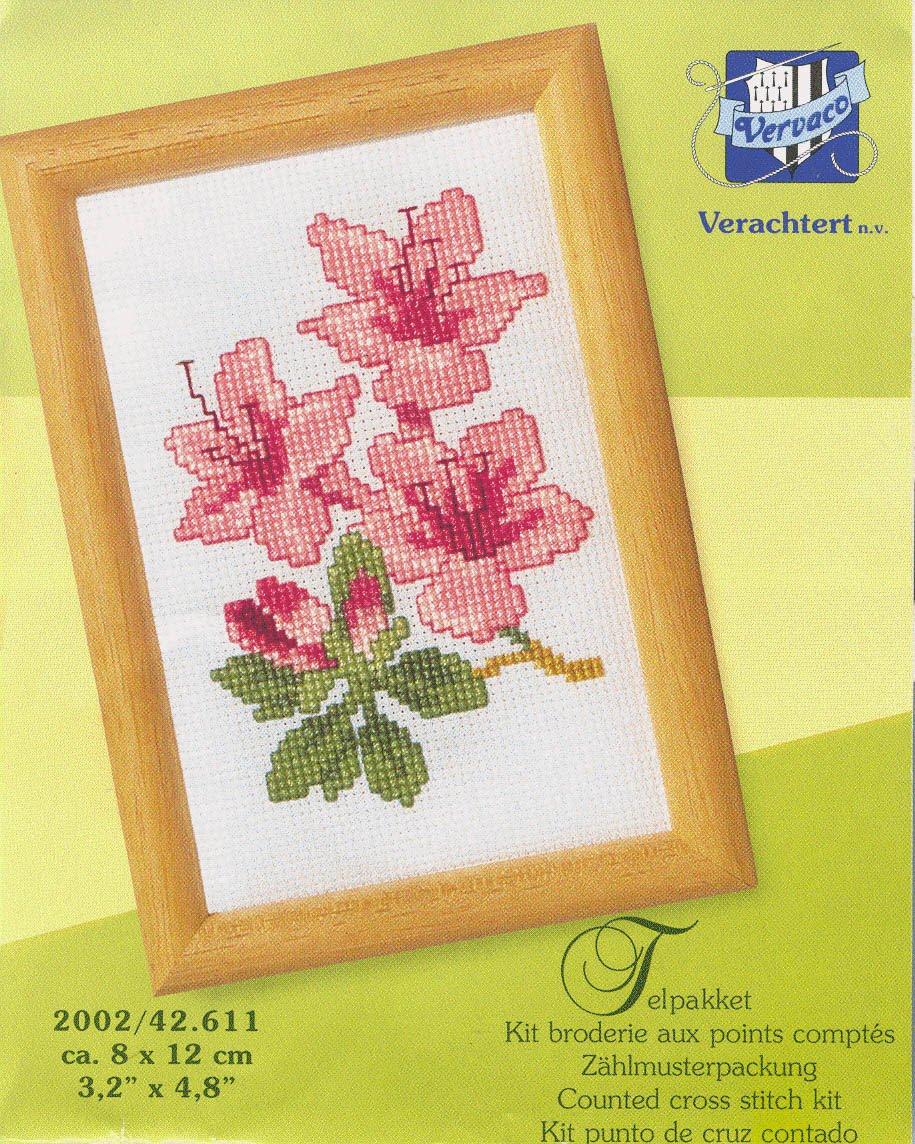 Название схемы: Vervaco 42.611 Lilies.  0. q903.rar.  Альбом. вышивка. вышивки.  Схема вышивка крестом.
