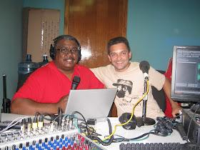 com o companheiro Gustavo Silva gravando entrevista na radio PDVSA
