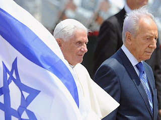 Pope Benedict XVI welcomed by Israel President Shimon Peres for five-day visit to the holy sites of Israel and Palestine image