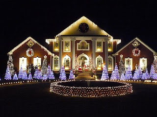 christmas house decorations with beautiful lighting and
