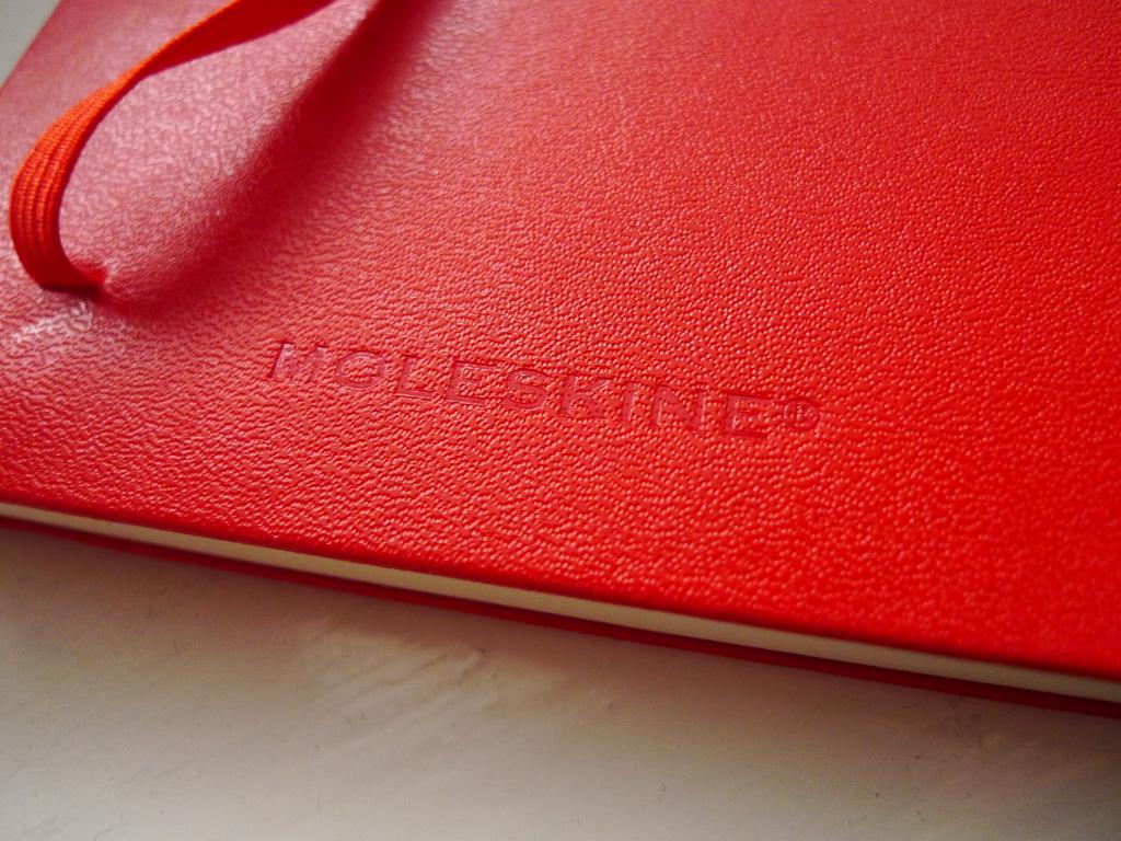 czerwony moleskine b5 2011