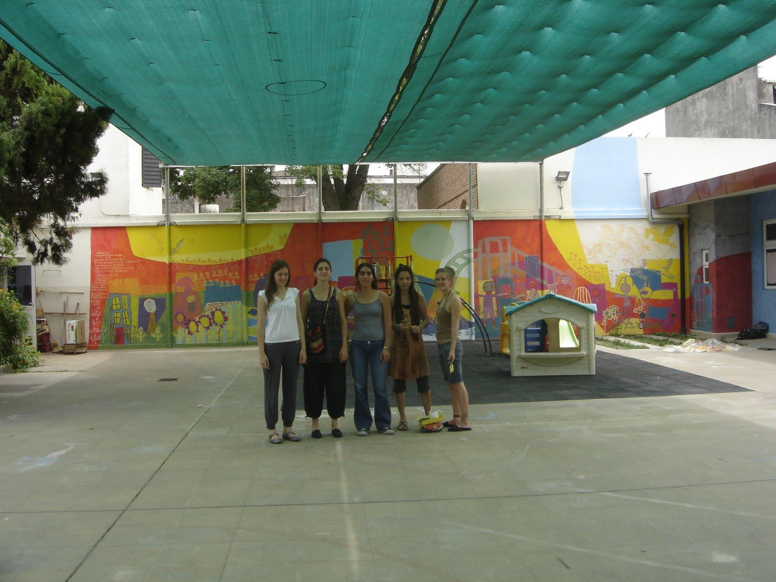 Taller de muralismo con ni os murales en jard n de for Barrio ciudad jardin