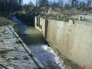 Las exclusas de Valdegurriana, una impresionante obra hidraulica del s. XVIII como es todo el Canal Imperial de Aragón