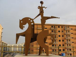 escultura jinete caballo colina de Valdespartera