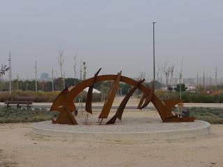 escultura pescado Valdespartera