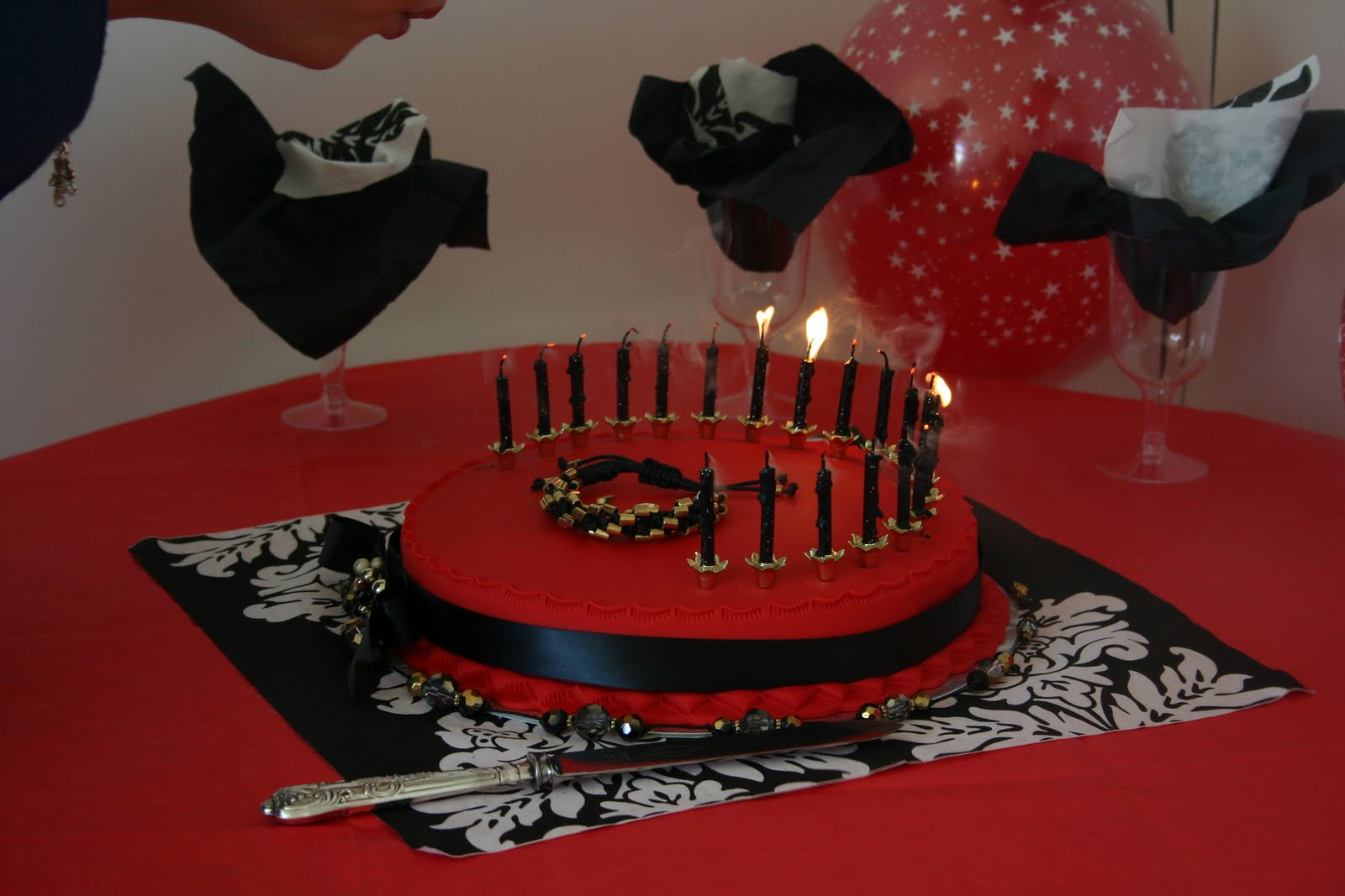 Kendals Sasha Brood One Of My Nieces 19th Birthday Cake