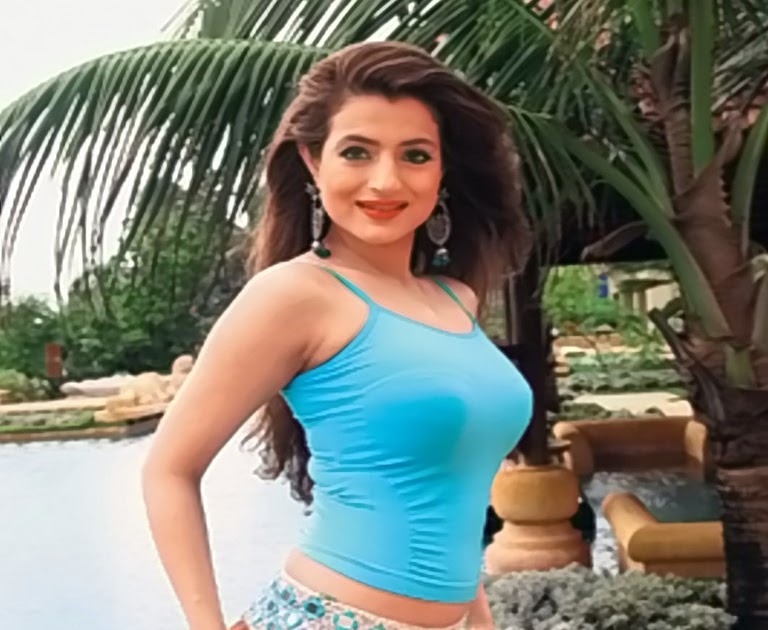 Hot, Sexy, Nude Girls and Babes: Hot and Sexy Amisha Patel