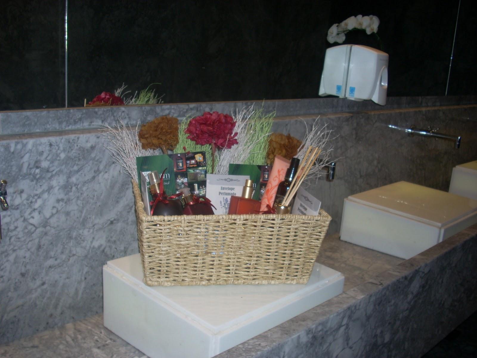 CHEIROS DE VENDAS 2º ANIVERSARIO DA REVISTA GOWHERE -> Banheiro Feminino Terra