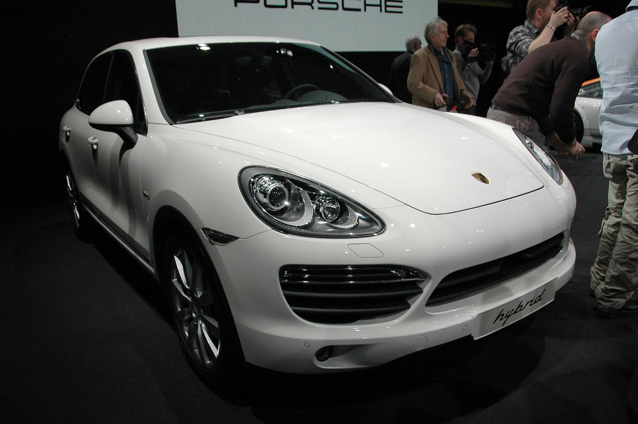 2011 porsche cayenne s hybrid specification autos car. Black Bedroom Furniture Sets. Home Design Ideas