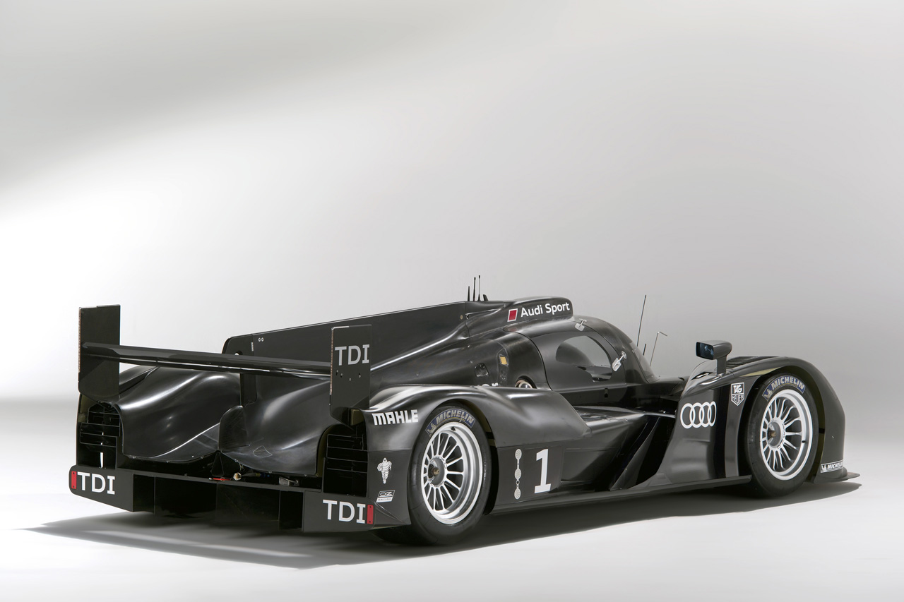 Audi R18 LMP1 HD Wallpaper