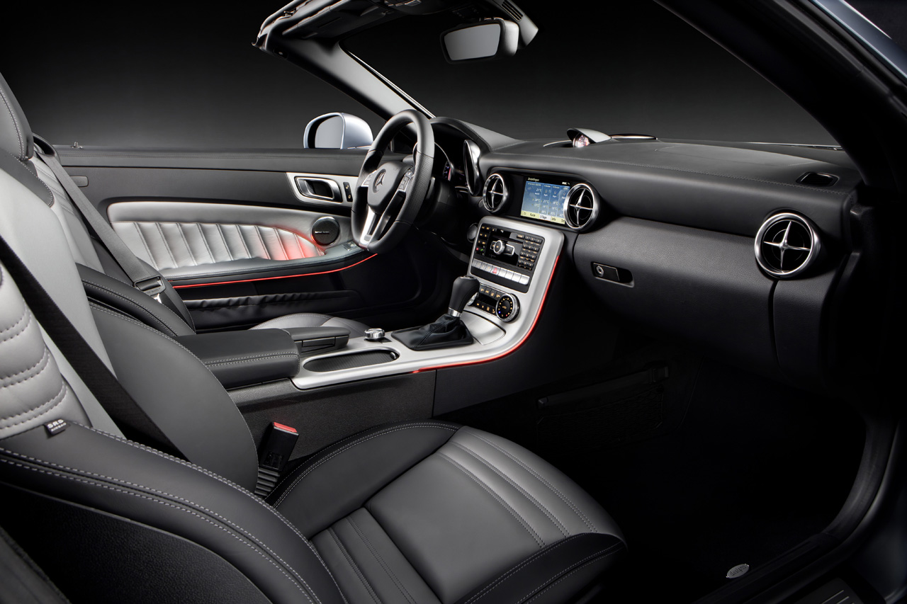 2012 MERCEDES-BENZ SLK INTERIOR DESIGN
