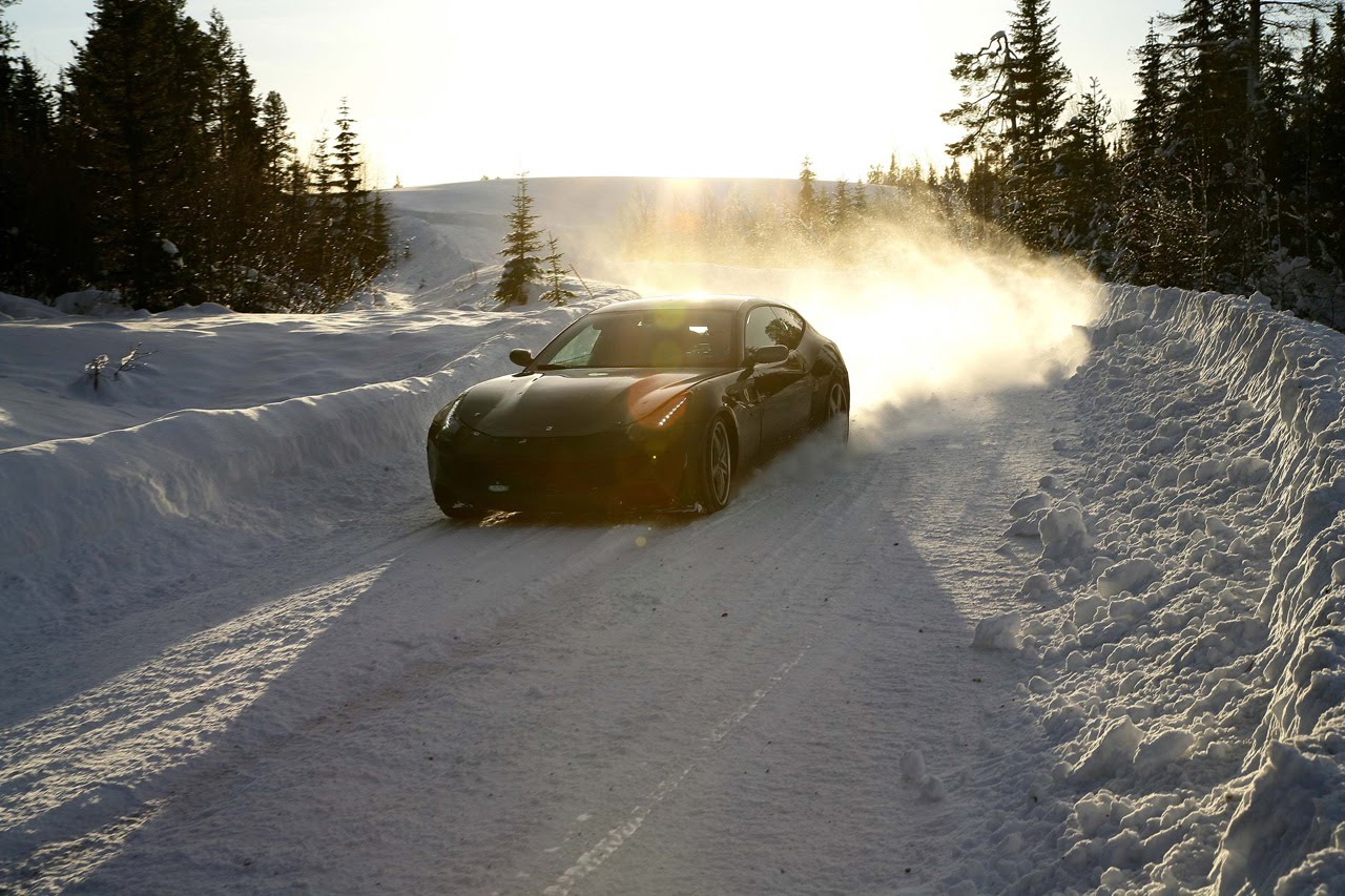 2012 FERRARI FF AT SNOW