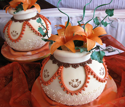Sugarcraft by Soni: Three African Pots Wedding Cake: May 2009