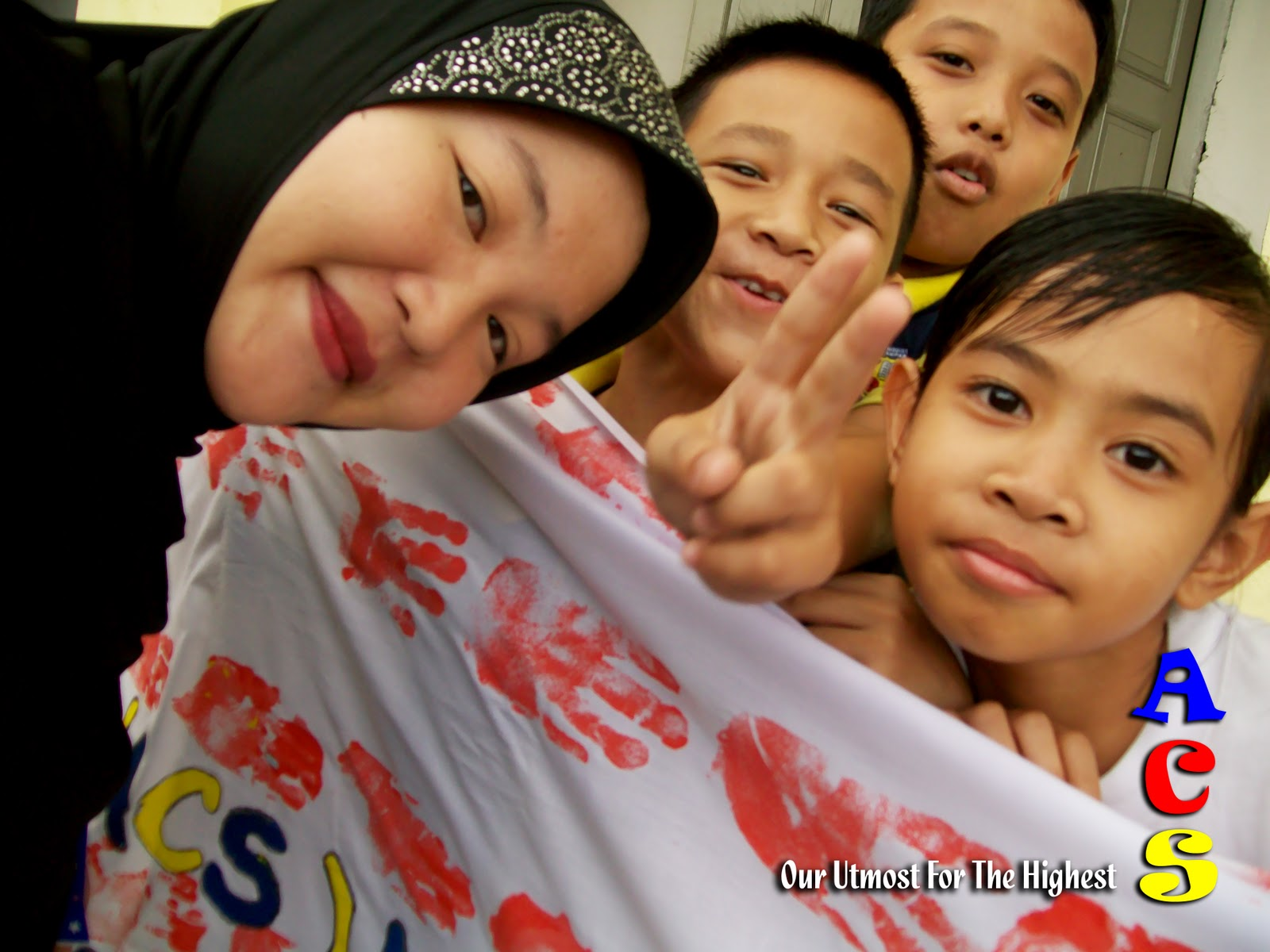 esei satu malaysia menjana transformasi Satu malaysia - gagasan bagi memupuk perpaduan dalam kalangan  iaitu satu  malaysia menjana transformasi - menekankan transformasi/.