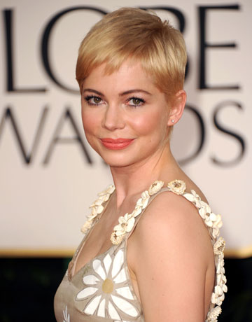 michelle williams short hair 2010. michelle williams short hair images. michelle williams hair short. michelle williams hair short. clockworksaulo. Jun 9, 02:26 PM