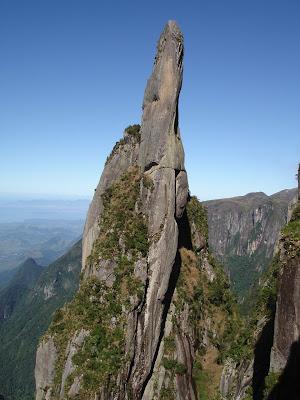 arsip-artikel-unik.blogspot.com - 5 Pegunungan Yang Keren Untuk Dipanjat