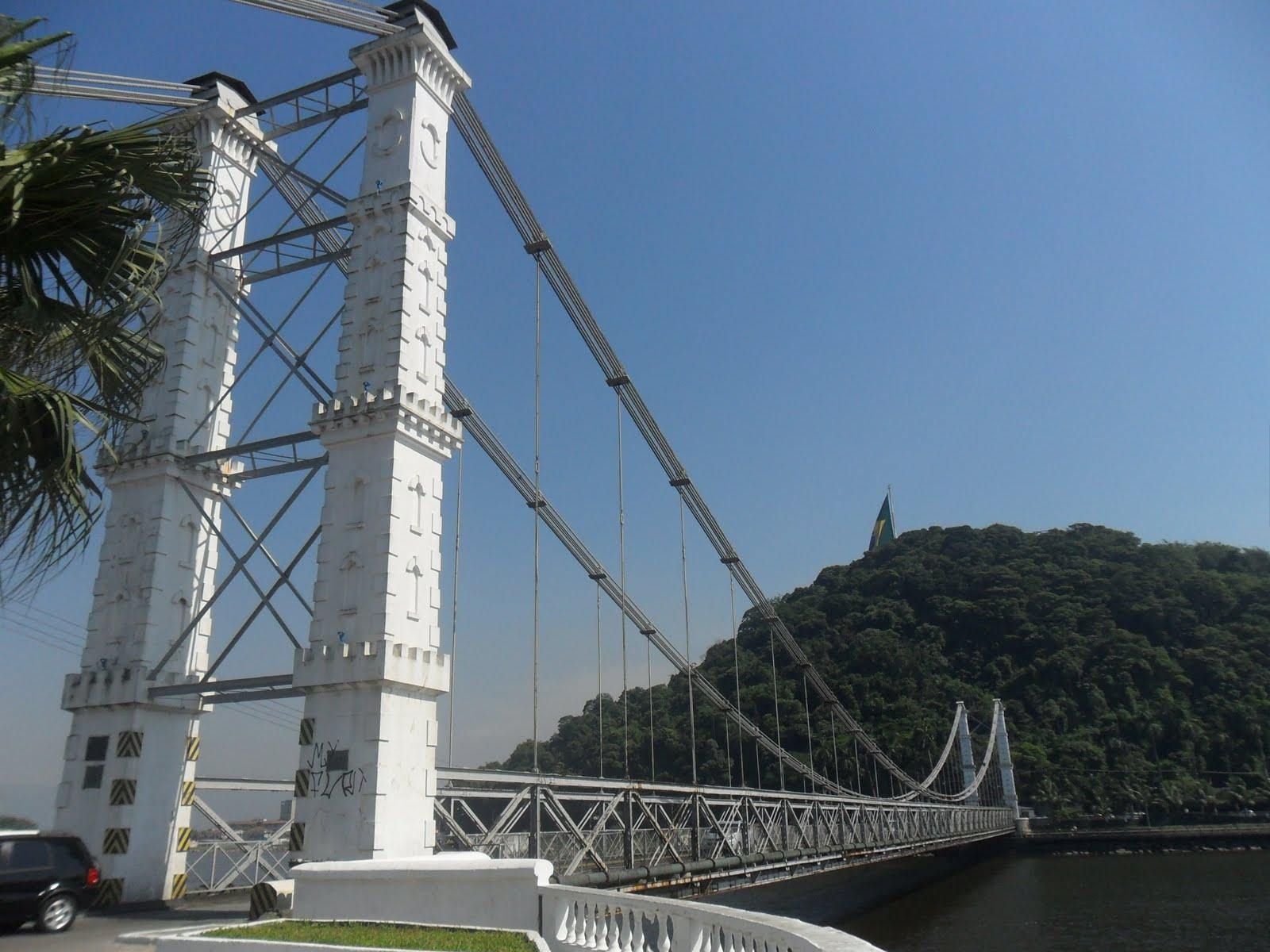 Ponte pênsil de são vicente é uma ponte pênsil que liga a ilha
