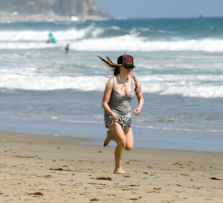 Avril Lavigne Pictures in BIKINI Beach Candids, Malibu,
