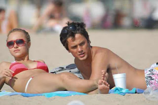 Actress Hayden Panettiere BIKINI Pics from beach candids, Malibu with Boy Friend