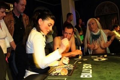 strippoker10 Bermain Pokerking Dan Gambling Online Sekarang Lebih Mudah Dengan Banyaknya Agen Poker Online