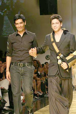 Shahrukh Khan Ramp Lakme Fashion Week 2009 Pics