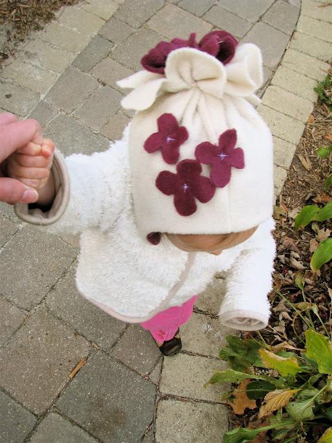 Шапка для девочки из флиса своими руками
