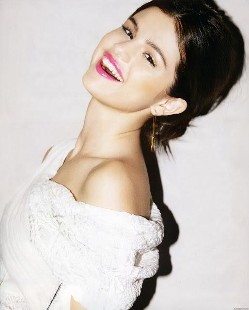 selena gomez latest pics of 2011. Selena Gomez Photoshot for