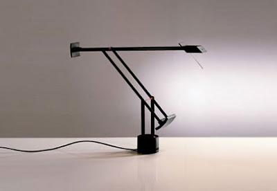 Artemide Tizio Micro Table / Desk Lamp, Designed by Richard Sapper