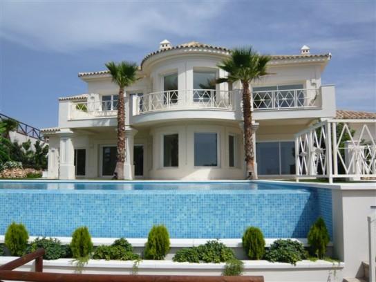 Locations vacances en espagne s jours en villas et for Villa en espagne a louer avec piscine