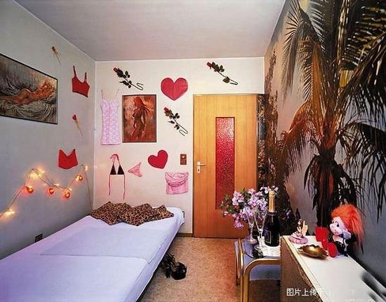 the deco house 10 mani re de d corer sa chambre. Black Bedroom Furniture Sets. Home Design Ideas