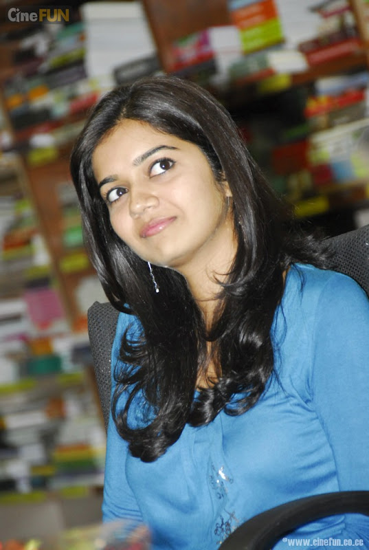 Swathi At If You Love Some One Book Launch Stills hot images